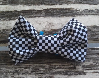 Axel slide-on-collar doggie/kitty bowtie