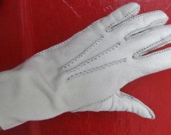 Vintage 1950s Off White Constrast Stitch Gloves S M