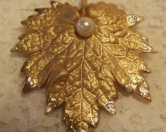 Vintage Gold and Pearl Leaf Flower Abstract Pin, Signed NAPIER, Vintage Brooch, Costume Jewelry, Wine Lovers Jewelry