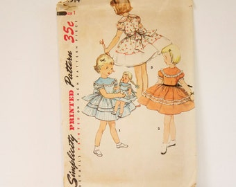 Vintage 1950s One piece Dress with matching doll dress Pattern Simplicity 4914 Size 1