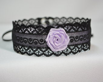 Elegant Textile Choker in Black and Lila, Gothic and Renaissance Lace Satin Necklace with Rose, Baroque