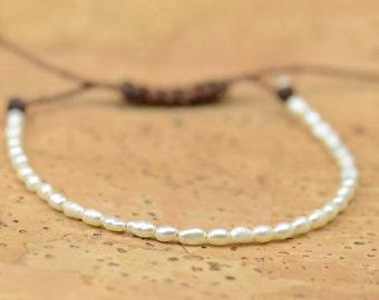 Tiny pearls bracelet
