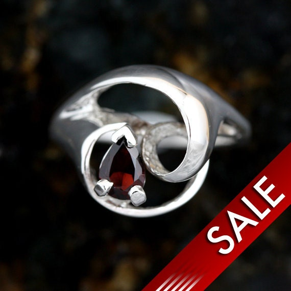Red Garnet Gem Stone In Cast Swirl Design Solid Cast Sterling Silver Ladies Ring  -Size 6 3/4