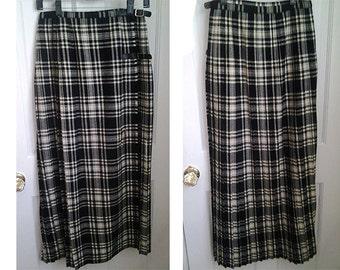 "Vintage Plaid Long Maxi Skirt Black and Ivory Tartan Pleated  Wool Kilt  Size Small 27 "" Waist Made In England Goth Sreampunk Boho Grunge"