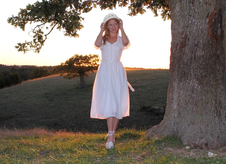 Vintage 70s Wedding Dress by Gunne Sax White Cotton & Lace
