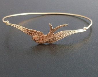Sparrow Bracelet, Sparrow Jewelry, Bird Bracelet, Bird Jewelry, Bird Charm Bracelet, Bird Gift, Nature Jewelry, Sparrow Bangle Bracelet