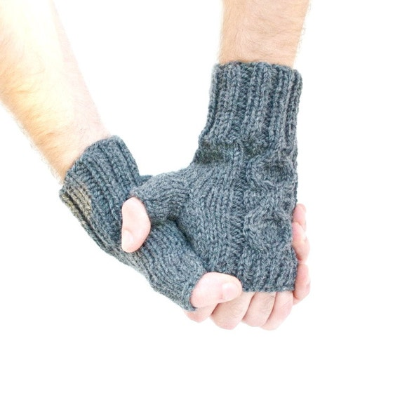 Men's wrist warmers cable knit