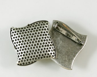Perforated Pinback Finding for Beading 60% off, qty 2