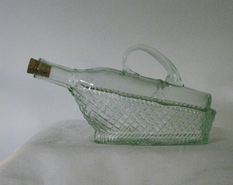 Vintage Glass Wine Decanter Bottle in the Basket, Decanter Red Wine Server with Handle
