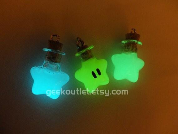 Glow-in-the-dark Super Mario Invincibility Star Necklace