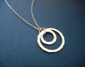 matte double twisted crinkled hoop necklace - 16K gold plated