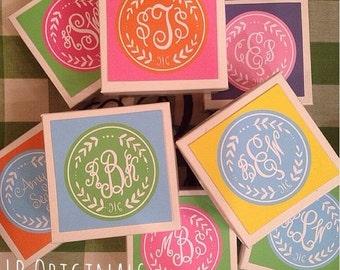 Boxed Monogram Wreath Enclosure cards