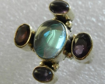 1970s Very charming Ring  - Grandiose light oval cabochon, amethyst crystals & jelly cabochons -size 8 good quality -Art.760 -