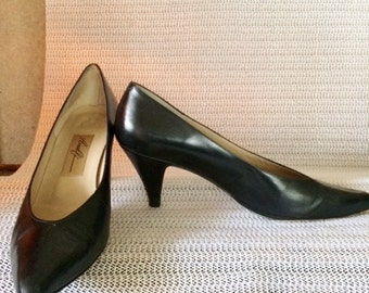 Vintage Amalfi Black Leather Classic Pump