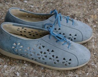 Vintage Baby Blue Cutout LAce Up Oxfords 8N