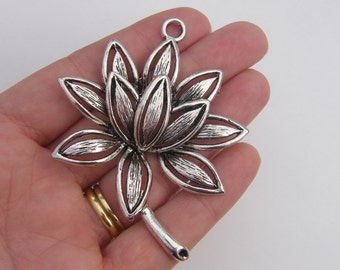 1 Water lily pendant antique silver tone F2