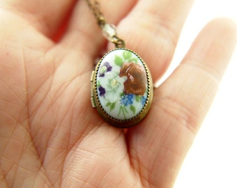 Hand Painted Flower Locket - Vintage