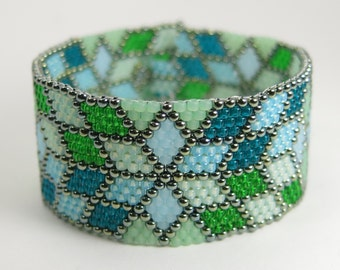 Peyote Bracelet - Seed Bead Bracelet - Blue and Green Bracelet - Geometric Pattern - Diamond Pattern Jewelry - Handmade - TOMORROW'S DREAMS