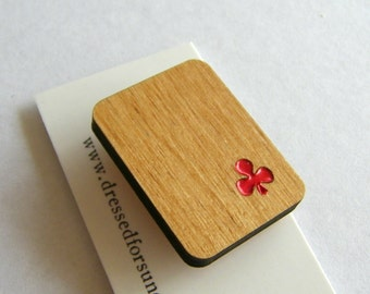 Alder wood club playing card brooch