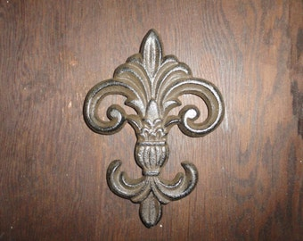Fleur de Lis cast iron door or wall decor painted iron decorative for a Shabby or Chic look.