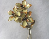 Lovely yellow vintage triple flower bunch brooch pin with orange trim