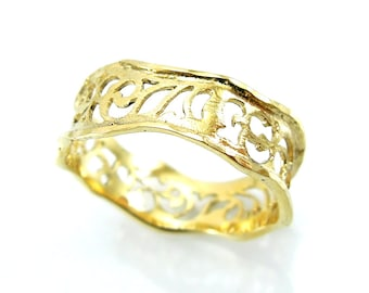 Unique wedding band, Yellow gold ring filigree wavy design