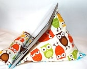 iPad Nook Kindle Pillow Stand in Urban Owls