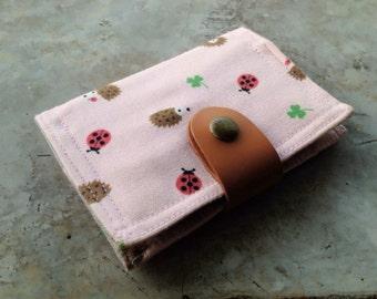 Card Organizer -  Hedgehog ladybug and clove in pink (20 pockets card holder included)