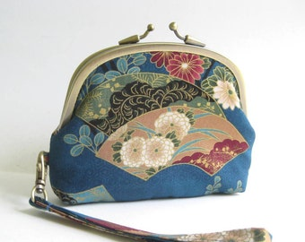 Double Frame Wristlet in Blue Japanese Florals