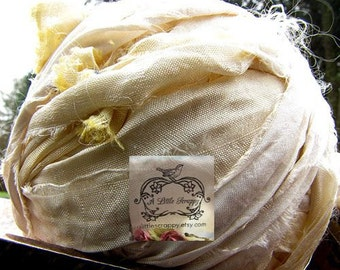 Sari Silk Recycled Ribbon in a Soft Creamy Off White Blend