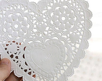 30 Romantic Heart Paper Doilies - M (5.5 x 5.5in)