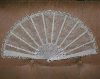 Vintage White Chantilly Lace Folding Fan