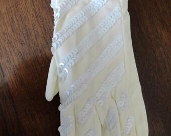 GORGEOUS  vintage 1940's IVORY Beaded Bridal Gloves
