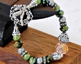 I LUV HUMMINGBIRDS!  Bracelet Green Pink Hearts Pearls ~ Very Girly!