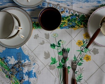 Vintage Swedish Linens: Souvenir Bridge Tablecloth