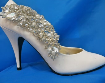 Bridal Shoe Clips, Bridal Shoe Accessory, Pearl Shoe Clips, Pearl Bridal Shoe Clips