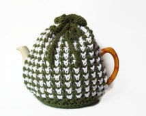 tea cozy hand knitted cosie green and white