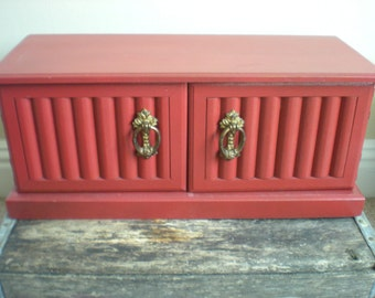 SALE! Red Musical Jewelry Box Vintage Wood Storage