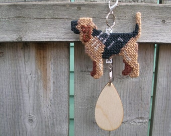 Bloodhound dog crate tag or hang anywhere hand stitched original hanger art by canine artisan, Magnet option