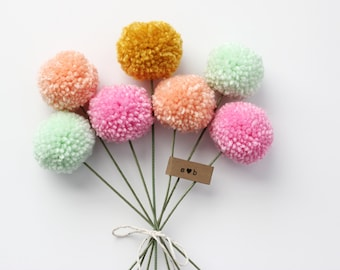 mini yarn pom pom flowers bouquet (7 poms)