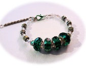 Adjustable Green Glass and Swarovski Beaded Stunning Beautiful Bracelet