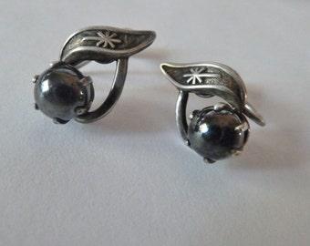 Sterling and Hematite Screw Back Earrings, Vintage earrings, Hematite Stone