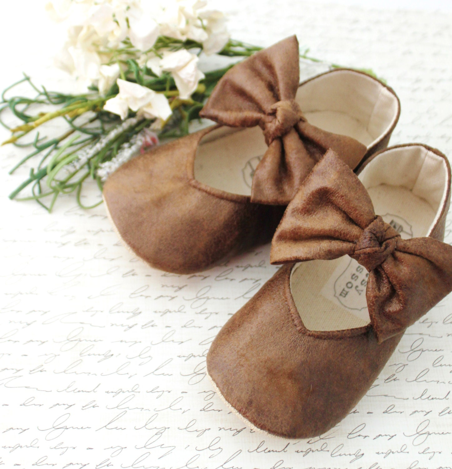 Jul 28,  · In the beginning Years ago it was common practice to have baby shoes