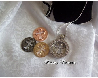30mm magnetic Memory Locket with interchangeable Cross (4 diff metals)
