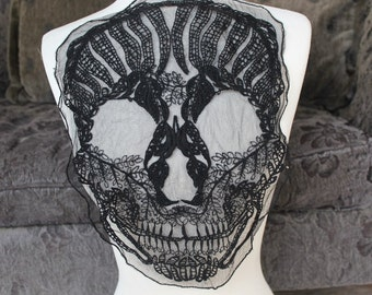 Cute embroidered skull  applique  black color    1 pieces listing