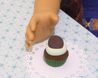 Miniature Girl Scout Cookie Thin Mint Cupcake for American Girls 1:3
