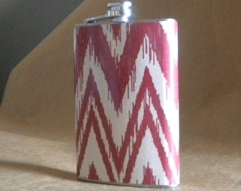 Ohio State, Alabama, OU Ready to Ship Red and White Ikat Chevron Print Stainless Steel Gift Flask KR2D 7713