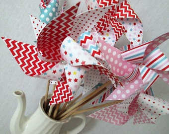 Paper Pinwheels Circus Favors Carnival Favors Vintage Circus Pinwheels Set of 25 Girl Birthday Party Baby Shower Favors First Birthday Decor