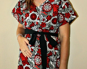 LINED Jace Maternity Hospital Gown in Red Black and White Floral -Choose the Lining and Sash Color - Bright and Fun - by Mommy Moxie on Etsy