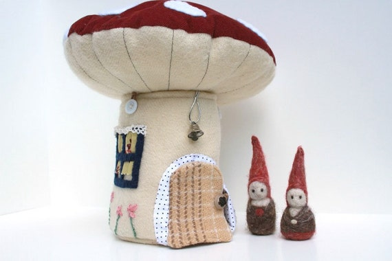 Toadstool Play House - PDF Pattern